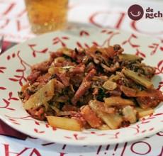 Acelgas con bacon y tomate