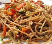 Receta de Espaguetis integrales con paté y verduras