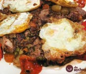 Receta de Xarrete y huevos fritos con puntilla