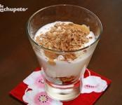 Receta de copa de yogur con turrón y frutos secos
