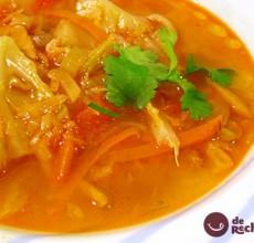 Sopa de verduras en juliana. Receta de sopa de la abuela.