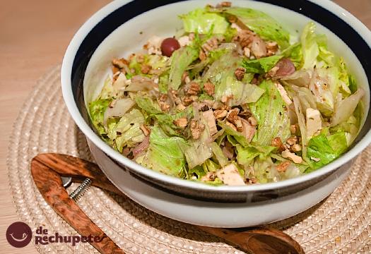 Receta de ensalada con pollo, queso y nueces