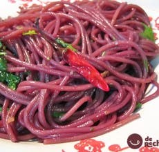 Espaguetis borrachos en vino. Spaghetti dell'Ubriacone