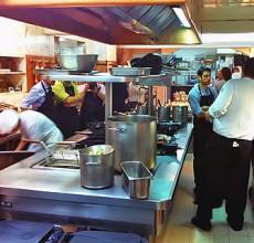 Imagen de la cocina del Café de Oriente