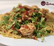 Receta de espaguetis con atun, amrlin y gambones
