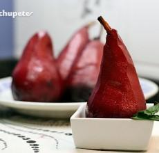 Peras al vino tinto con canela. Receta tradicional