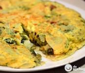 Receta de tortilla con grelos y chorizo