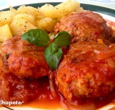 Filete ruso con tomate y albahaca