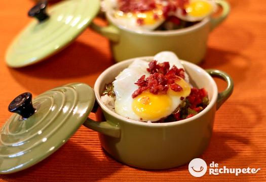 Minicocottes de arroz con huevos de codorniz