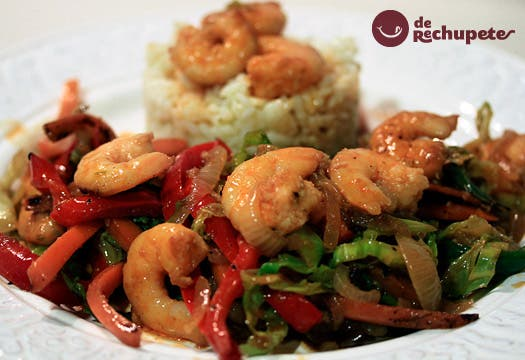 Receta de verduras al wok con langostinos