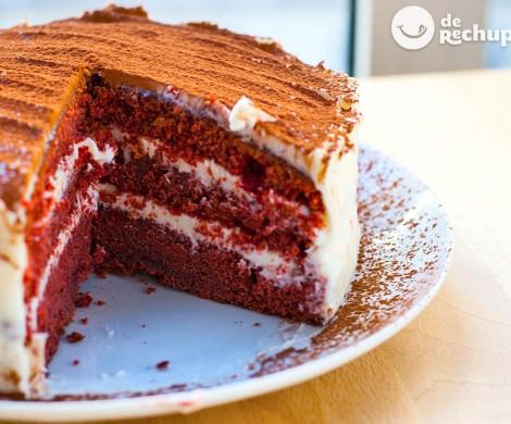 Tarta Red Velvet. Receta de la tarta terciopelo rojo americana paso a paso