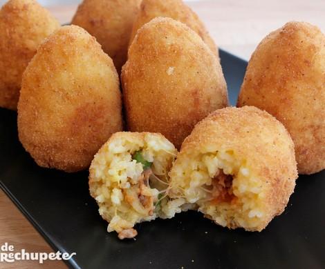 Arancini di riso o croquetas de arroz. Receta italiana