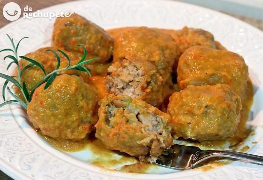 Albóndigas de caballa con tomate. Receta marroquí