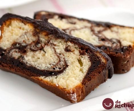 Bizcocho mármol o marmolado con chocolate