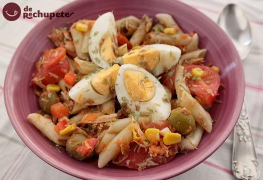 Ensalada de pasta con atún