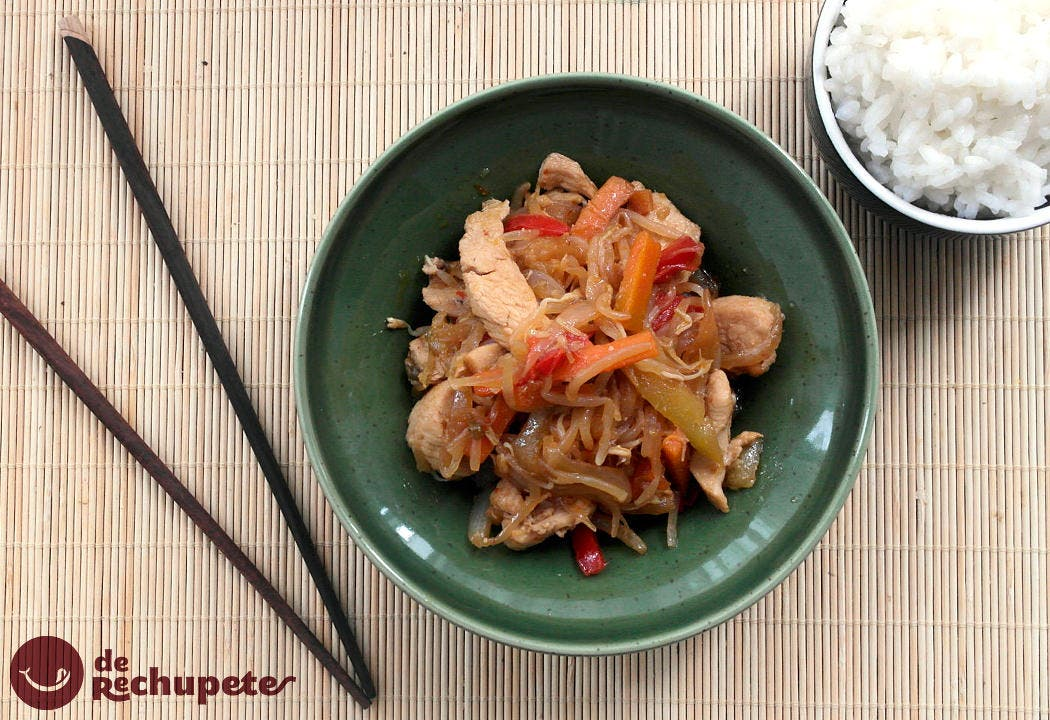 Chop suey de pollo. Receta china