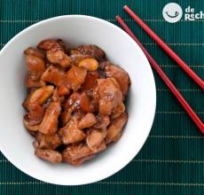 Pollo con almendras al estilo chino