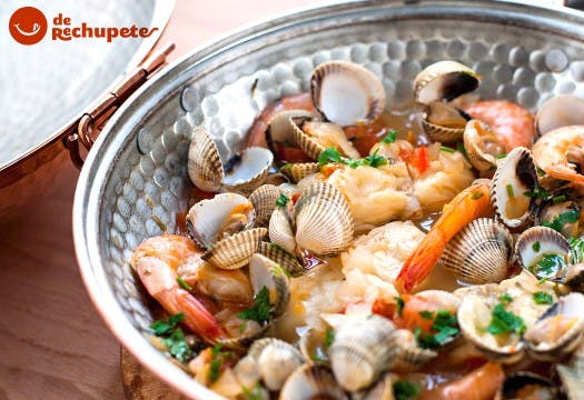 Cataplana de pescado y mariscos. Receta portuguesa
