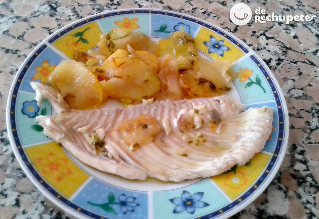 Rodaballo al horno con patatas receta tradicional - Como preparar rodaballo al horno ...
