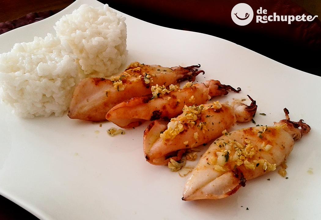 Chipirones o calamares a la plancha con arroz blanco
