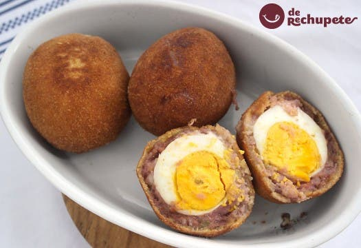 Huevos escoceses. Scotch Eggs
