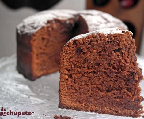 Bizcocho de chocolate fácil y casero