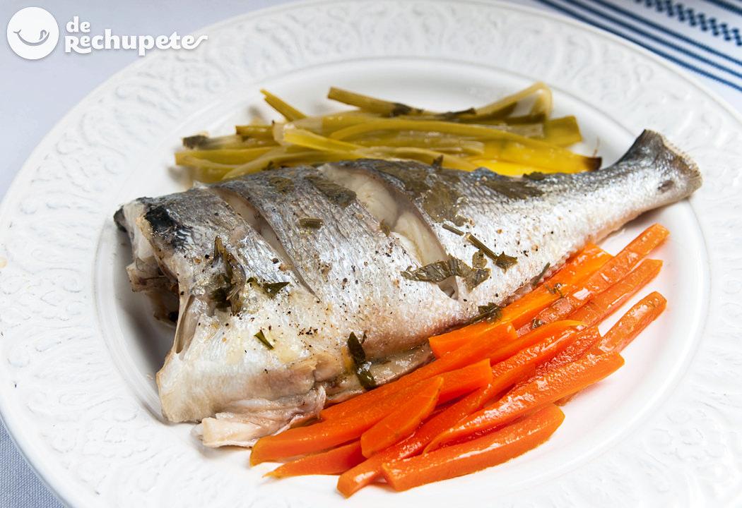 Dorada al papillote con verduras. Receta de pescado fácil y saludable