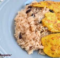Escalopines de pollo con arroz oriental
