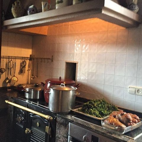 Cocina Lacón con grelos