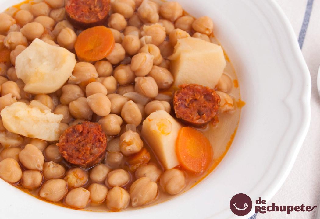 Cazuela de garbanzos con chorizo - Preparacion de garbanzos cocidos ...