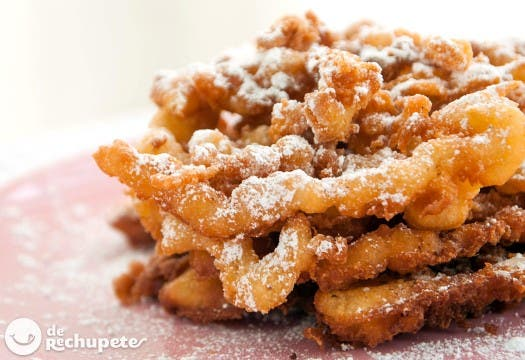 Funnel Cakes. Mini churros