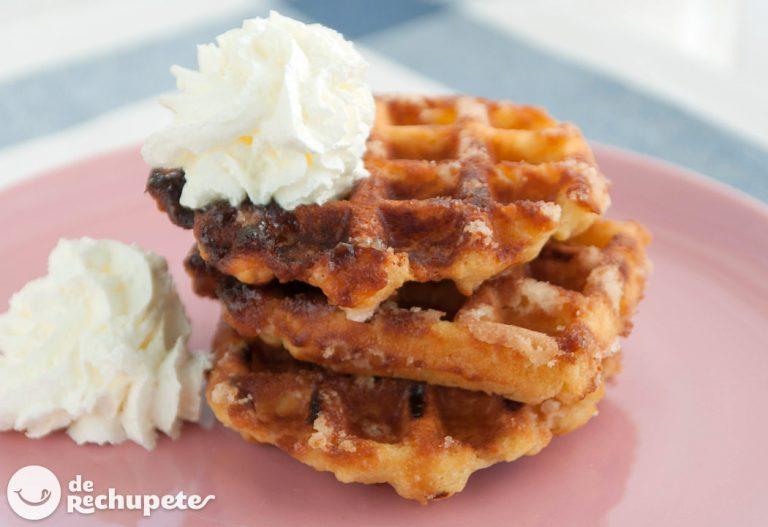 Cómo hacer gofres o waffles caseros. Receta belga tradicional