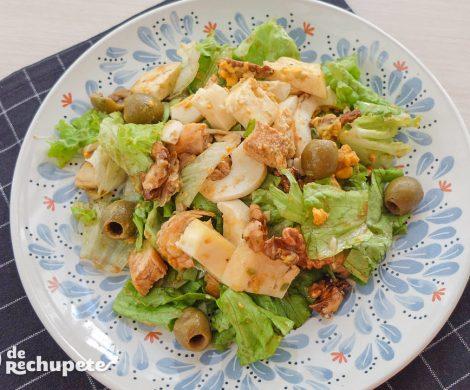 Ensalada de pollo con queso de Arzúa y nueces