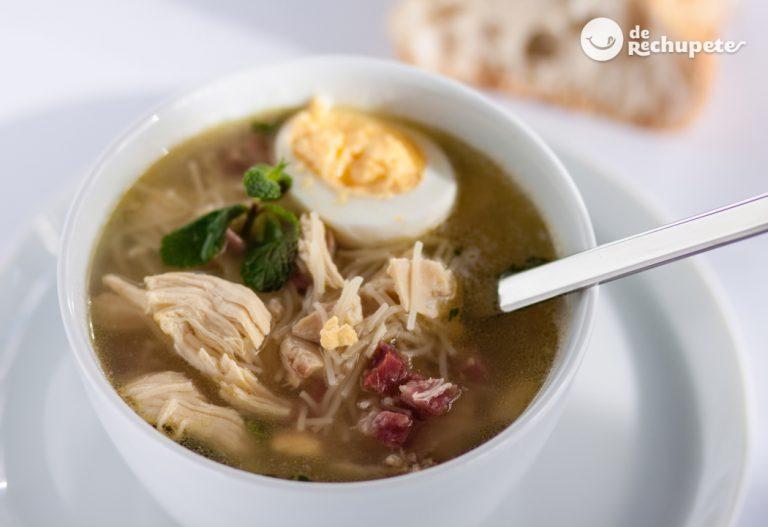 Sopa de picadillo. Sopa de pollo tradicional