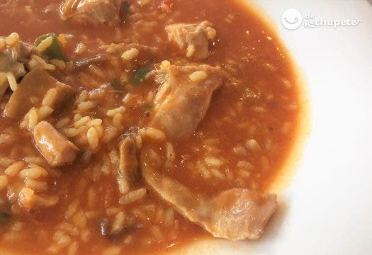 Con facil caldoso hacer pollo arroz como un