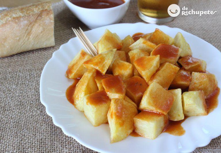 Cómo hacer patatas bravas. La tapa auténtica más madrileña