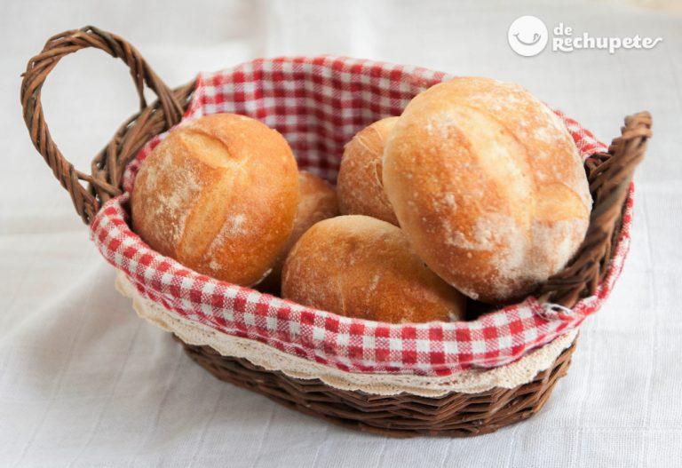 Cómo hacer molletes de pan caseros. Receta fácil paso a paso