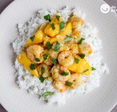 Langostinos al curry con arroz basmati. Receta exótica y muy fácil