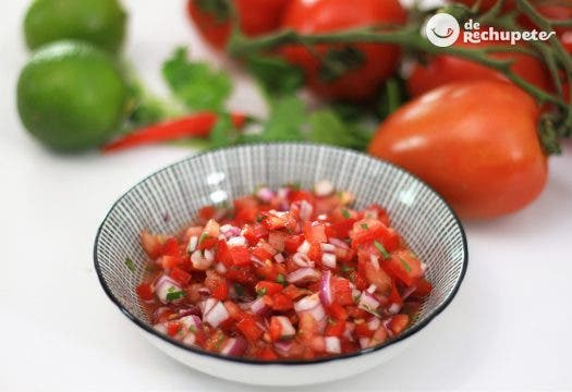Pico de gallo. Receta mexicana