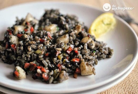 Arroz negro con verduras
