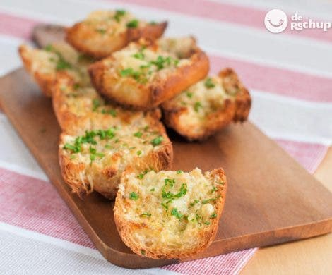 Pan de ajo y queso gratinado