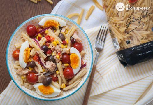 Ensalada de pasta con atún. Receta fácil y rica