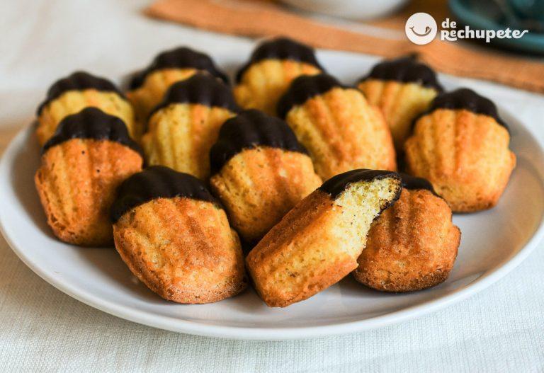 Magdalenas o madeleines francesas con chocolate