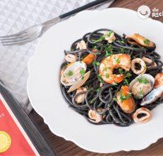 Spaghetti nero di seppia al frutti di mare