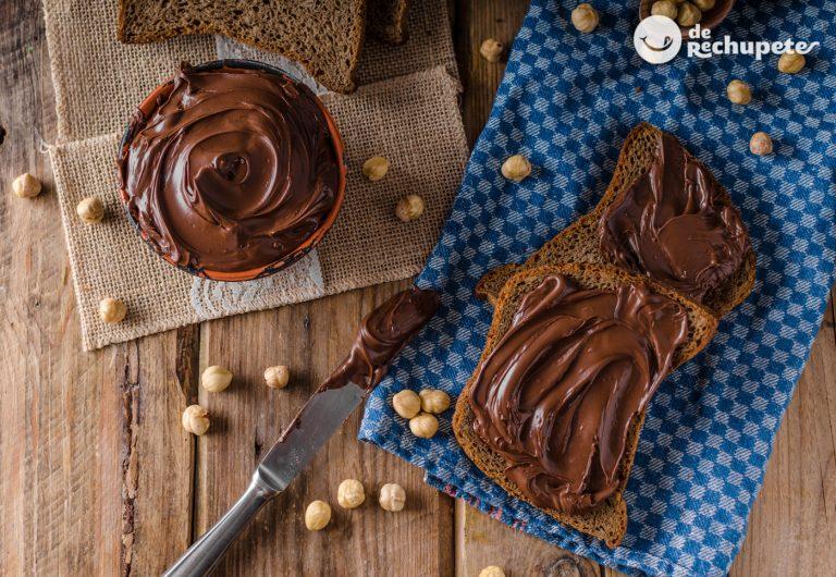 Cómo hacer crema de cacao y avellanas casera. Nocilla casera
