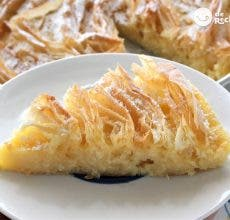 Tarta flor. Ruffled milk Pie