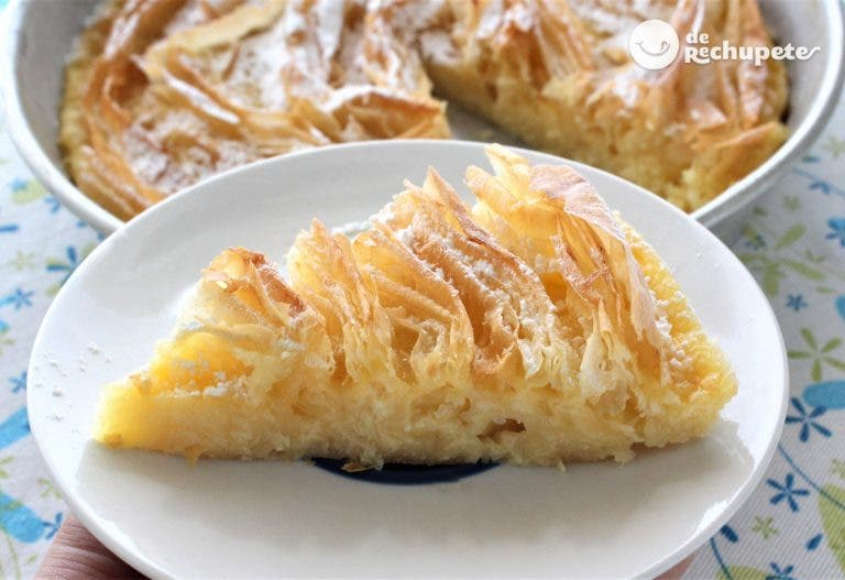 Tarta flor. Ruffled milk Pie