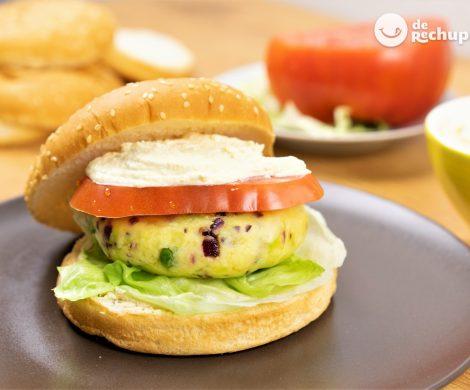 Cómo hacer hamburguesas vegetarianas de patata, guisantes y tofu