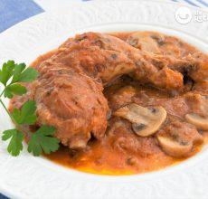 Guiso de pollo con champiñones