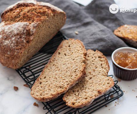 Pan de soda irlandés. El pan más rápido y fácil (sin levadura)